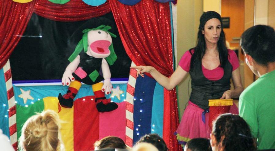 Mariana y los Puppets, visitaron la Clínica ALCLA